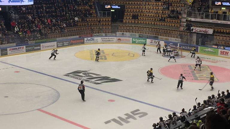 Hv71 på isen mot Djurgården.