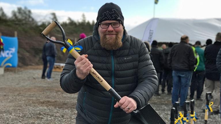 Henrik Eneskjöld med spade.