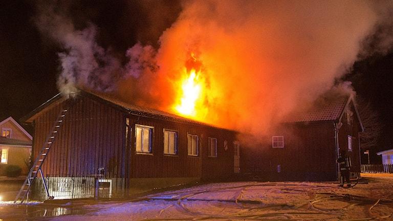 Brand i klubblokal i Gripenberg.