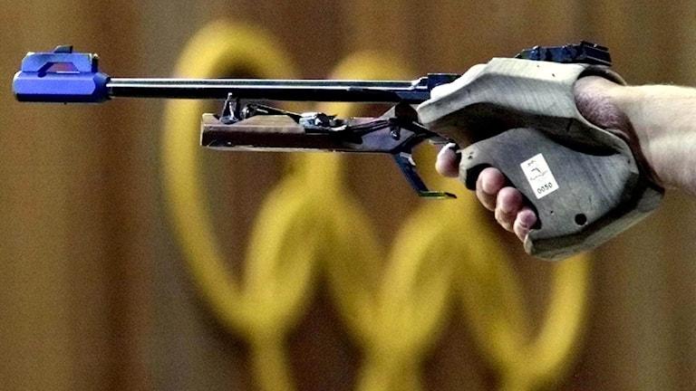 Pistolskytte, bilden är från OS 2000. Foto: Michael Probst/AP photo/TT arkiv.