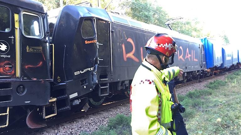 Två tåg som kolliderat. Foto: Robert Ojala/Sveriges Radio.