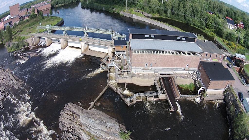 Kraftverket i Forshaga med fors och laxfälla. Foto: Marci Blixt/Fortum.