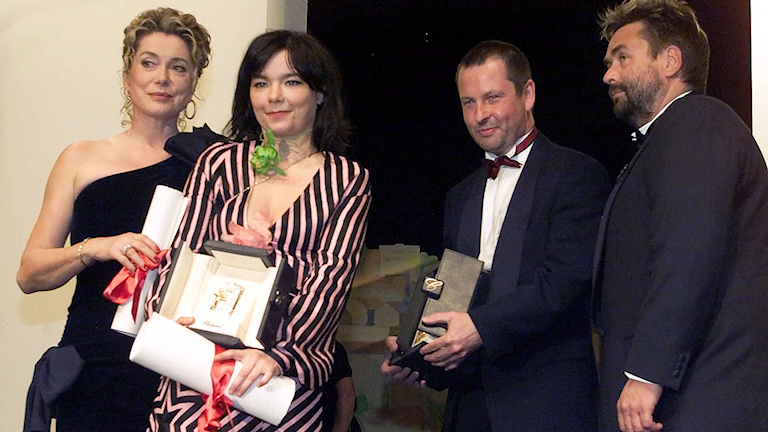 Lars von Trier vinner Guldpalmen i Cannes med Dancer in the dark.