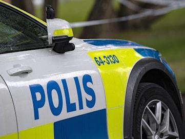 Misstänkt inbrottstjuv greps av polis efter biljakt