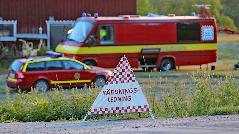 Räddningstjänstens ledningsbuss vid skogsbrand Östra Tönnet. Foto Örjan Bengtzing/Sveriges Radio.