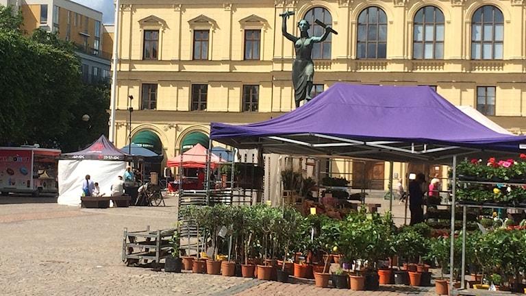 Torghandel på Stora Torget i Karlstad. Foto: Kajsa Carlsson/Sveriges Radio.
