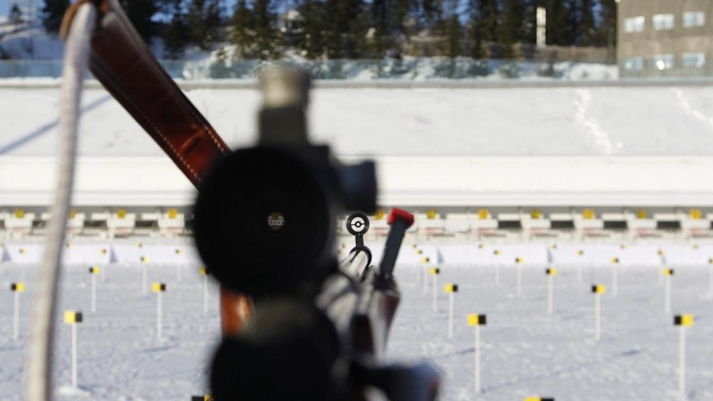 Ett skidskytte-gevär på skjutbanan. Foto: Larsen, Håkon Mosvold/NTB.