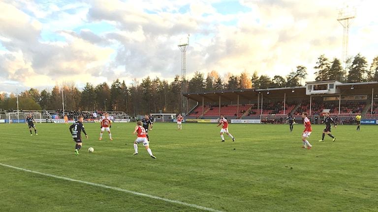 Degerfors IF spelar match mot Helsingborgs IF på Stora Valla. Foto: Magnus Hermansson/Sveriges Radio.