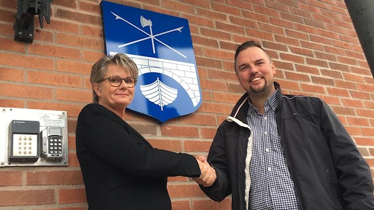 Gunilla Ingemyr (C) och Tobias Eriksson (S). Foto: Gustav Jacobson/Sveriges Radio.