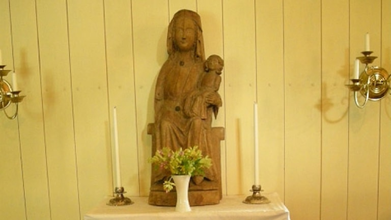 Träfiguren Madonna, Trankils kyrka. Foto: Barbro Thörn