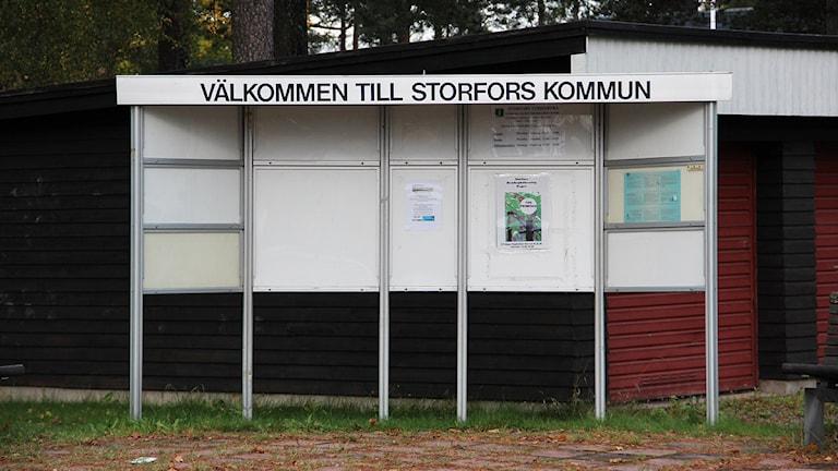 Infotavla i Storfors. Foto: Lars-Gunnar Olsson/Sveriges Radio