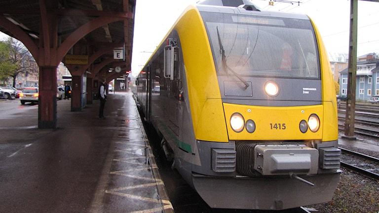 Tåg på perrong. Foto: Isak Olsson/P4 Värmland.