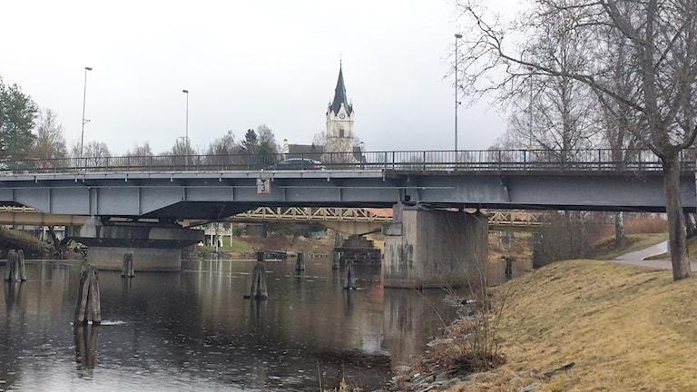 Järnvägsbron i Sunne. Foto: Per Larsson/Sveriges Radio.