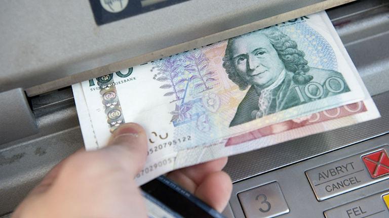 Sedlar i bankomat