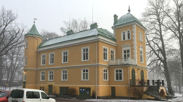 Slottet i Forshaga, exteriörbild. Foto: Magnus Hermansson/Sveriges Radio.