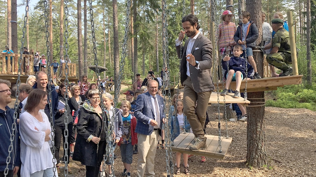 Prins Carl Philip i hinderbanan. Foto: Gustav Jacobsson/Sveriges Radio.