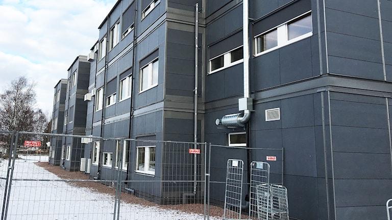 Moduler vid Färjestadsskolan i Karlstad. Foto: Tomas Hedman/Sveriges Radio.