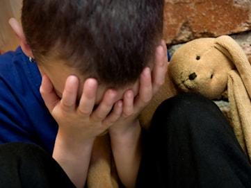 Hur pratar man med barn om när andra barn dör?
