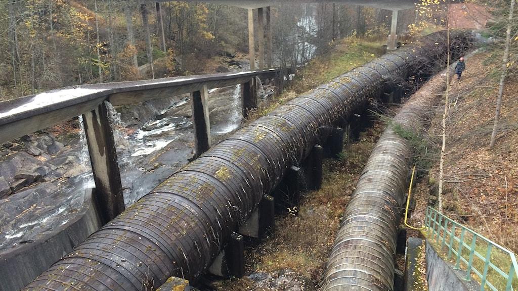 Vattentuber vid ett kraftverk. Foto: Sveriges Radio.