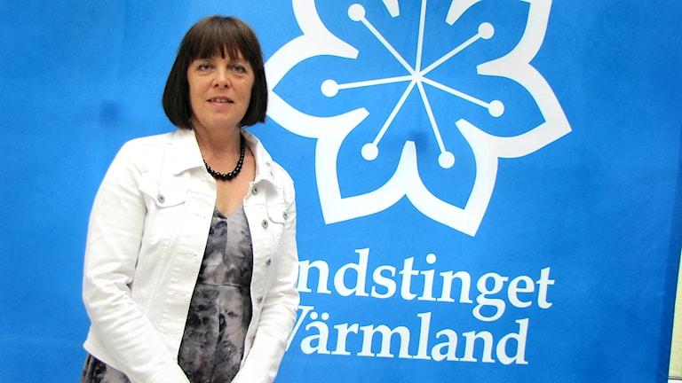 Politikern Elisabeth Kihlström (KD) vill utreda antalet förlossningsskador i Värmland.