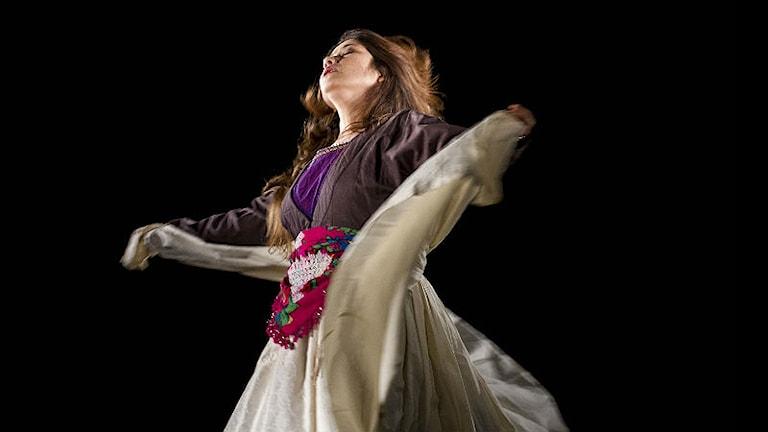 Monirah Hashemi i föreställningen Sitaraha - the stars. Foto: Photo: Mustafa Hashimi
