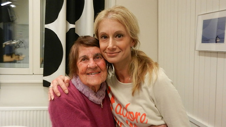 Nya vänner genom nystartade Äldrekontakten i Karlstad: Tanja Eklund och Inez Sundman. Foto: Hedvig Nilsson