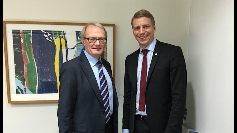 Gunnar Larsson, Konsumentverket och konsument- och finansmarknadsminister Per Bolund. Foto:Ann Edliden/P4 Värmland