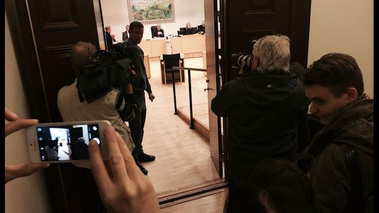 Utanför rättssalen på Tingsrätten i Karlstad