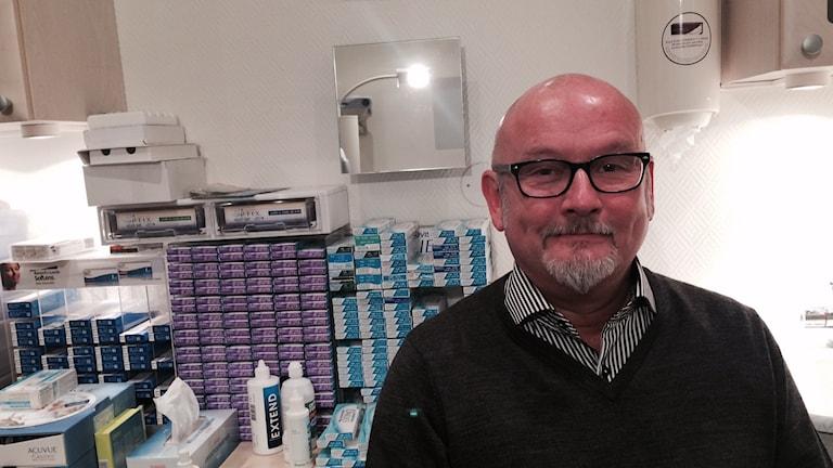 Stefan Wilhelmsson, optiker i Karlstad. Foto: Jenny Tibblin, Sveriges Radio