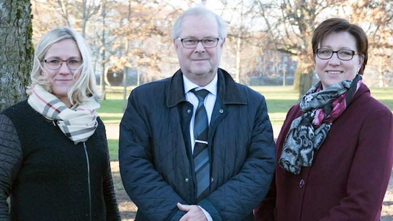 Regionstyrelsens ledning: Åsa Johansson (S), Tomas Riste (S) och Stina Höök (M). Foto: Region Värmland.
