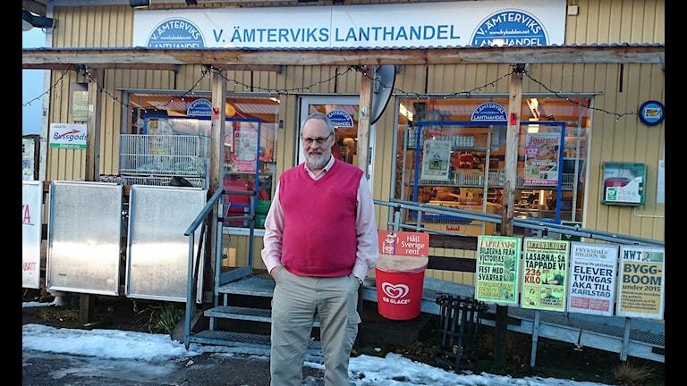 Björn Wennerström lanthandlare i västra Ämtervik.