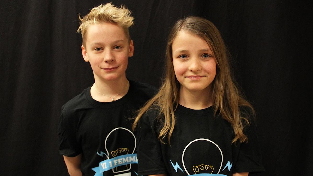 Noah Melkersson och Felicia Saeves, Holmesskolan 5B. Foto: Lars-Gunnar Olsson/Sveriges Radio.