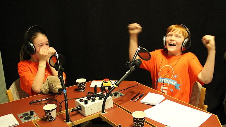 Ida Lybeck och Malcom Munthe-Kaas. Foto: Lars-Gunnar Olsson/Sveriges Radio.