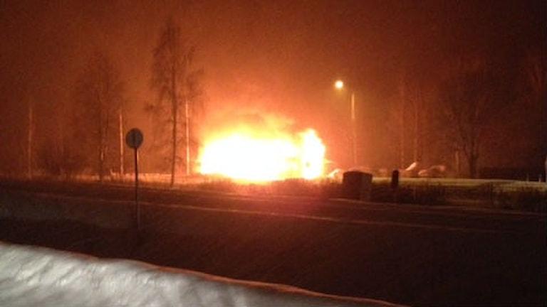 Ett moln av eld. Foto: Peter Karlsson/Bergslagens räddningstjänst.