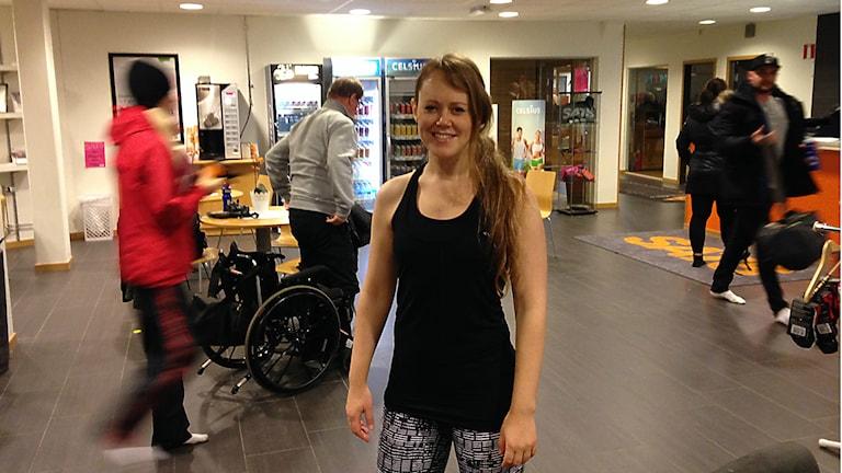 Emma Dalman på gymmet inför Vasaloppet. Foto: Robert Ojala/Sveriges Radio