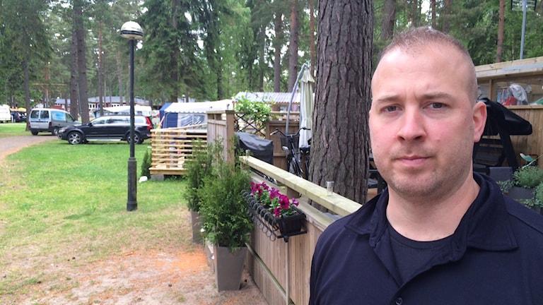 Björn Johansson är brandingenjör på räddningstjänsten i karlstadsregionen. Foto: Jenny Tibblin, Sveriges Radio, P4 Värmland.