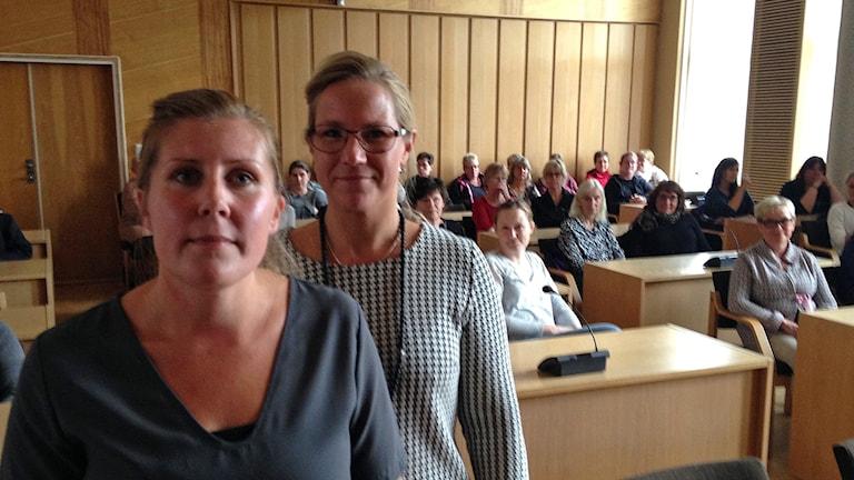 Jessica Larsson, ordförande Kommunal och Åsa Johansson (S), kommunalråd. Foto: Robert Ojala/Sveriges Radio.
