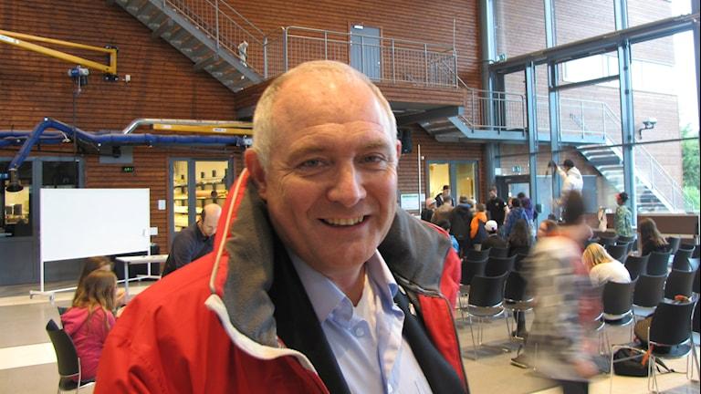 Jan Håkanson på plats vid Karlstad universitet vid Formula Lådbil. Foto: Daniel Viklund / Sveriges Radio.