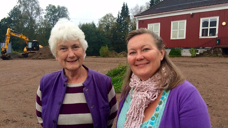 Volontärerna Christina Ward och Eva Jakobsson. Foto: Örjan Bengtzing/Sveriges Radio