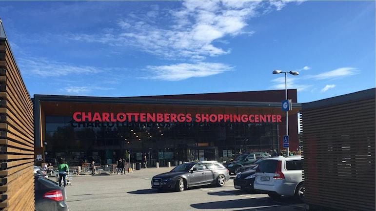 Gränshandeln i bland annat Charlottenberg påverkas marginellt av en svag norska kronan. Foto: Anton Eriksson/Sveriges Radio P4 Värmland