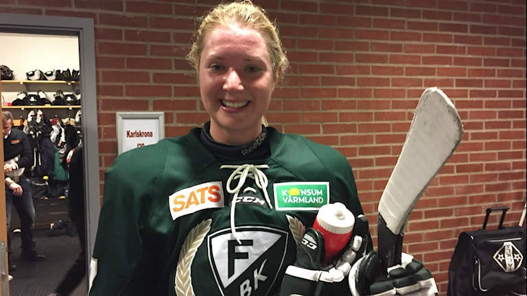 Färjestads lagkapten Sara Kask efter vinsten mot Sandviken med 3-1. Foto: Daniel Viklund / Sveriges Radio.
