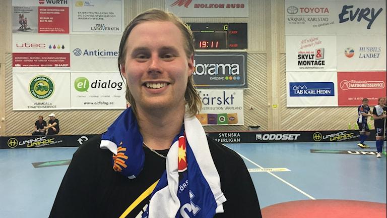 Adam Colling hade en bra kväll när Karlstad IBF slog Granlo BK med 9-4. Foto: Daniel Viklund / Sveriges Radio.