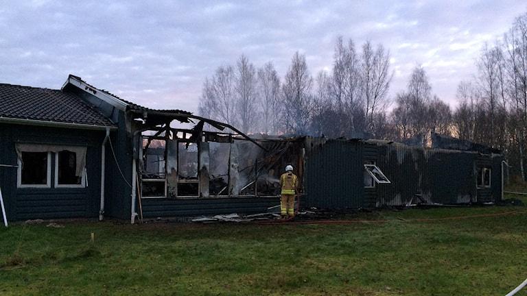 Brand på planerat asylboende Foto Per Larsson/Sveriges Radio.