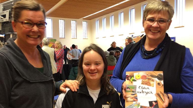 Lotta Lundgren, projektledare, Lisa Adolfsson, deltagare och Karin Bohlin Hoger, projektledare. Foto: Per Larsson/Sveriges Radio