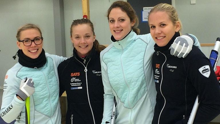 Lag Cissi Östlund från Karlstad curlingklubb. Foto: Mats Fagerström/Sveriges Radio.