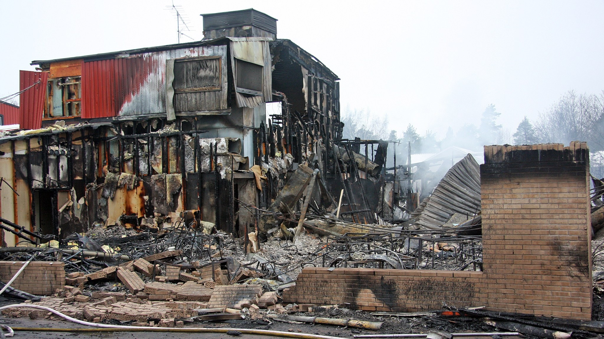Gymnastikhall byggs upp efter brand