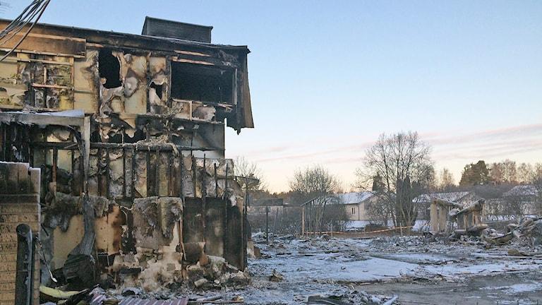 Götetorpsskolan, rester efter brand. Foto: Jenny Tibblin/Sveriges Radio.