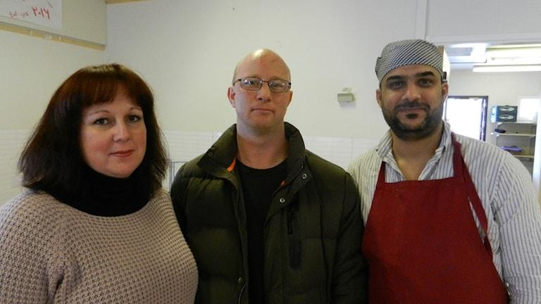 Malin Johansson, Putte Fredriksson och Ahmed . Foto Roy Malmborg Sveriges Radio