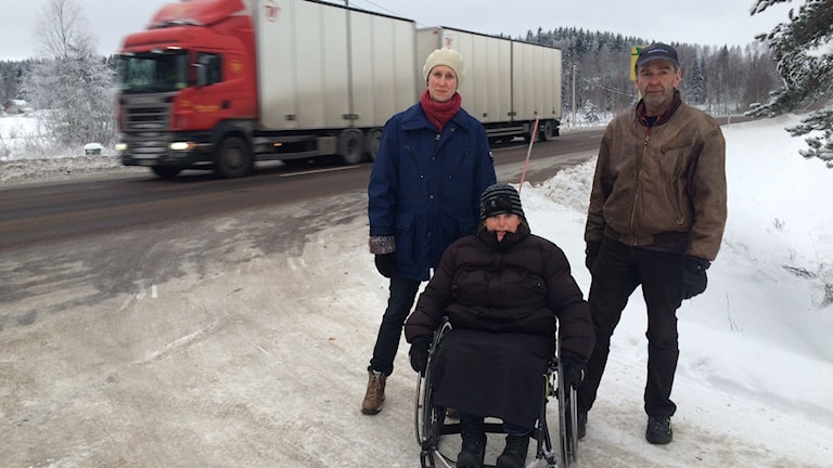 Anna Andersson Wass, Maria Neiker och Harry Persson utanför Arvika är upprörda.