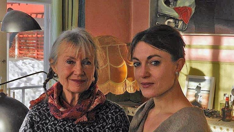 Karin och Sara Broos